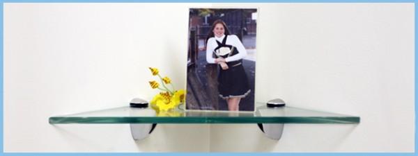 Robin Glass Corner Triangle Shelf