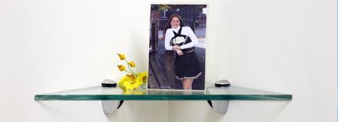 Robin Triangle Glass Shelves